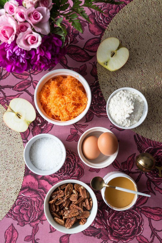 Ciasto marchewkowe z kremem z masłem orzechowym