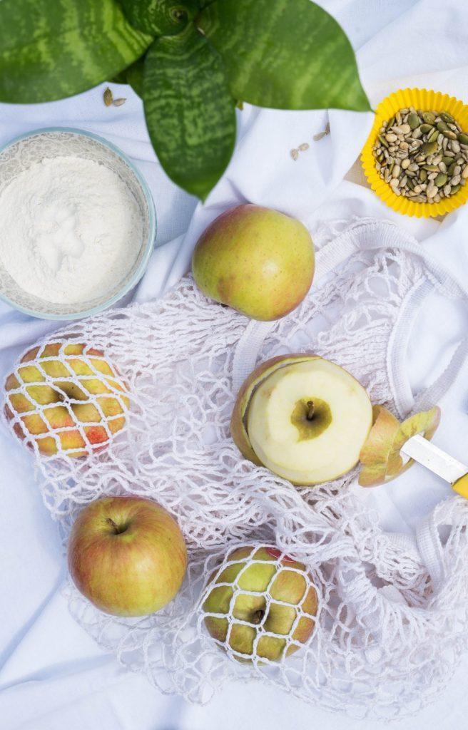 Bułeczki cynamonowo - jabłkowe