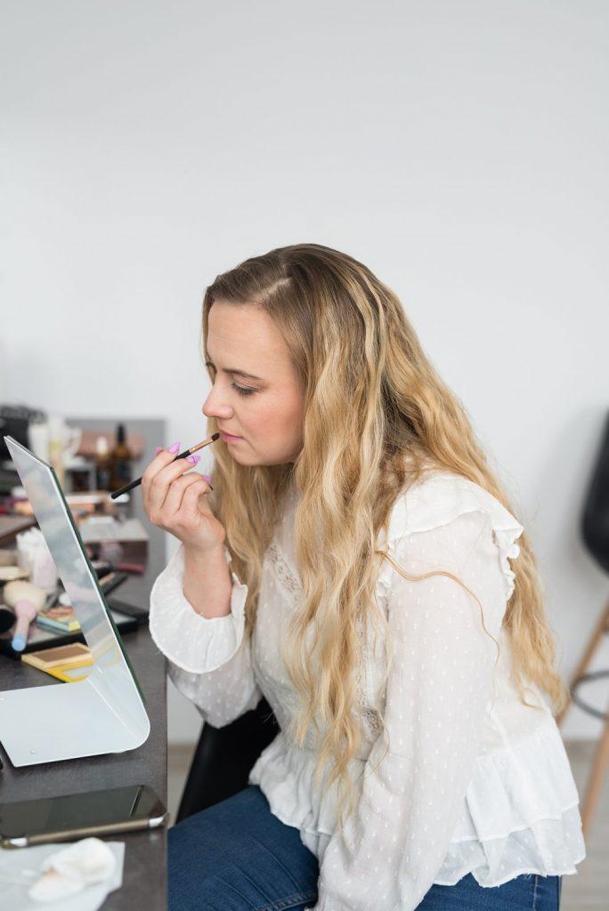 Jak rozpocząć przygodę z makijażem