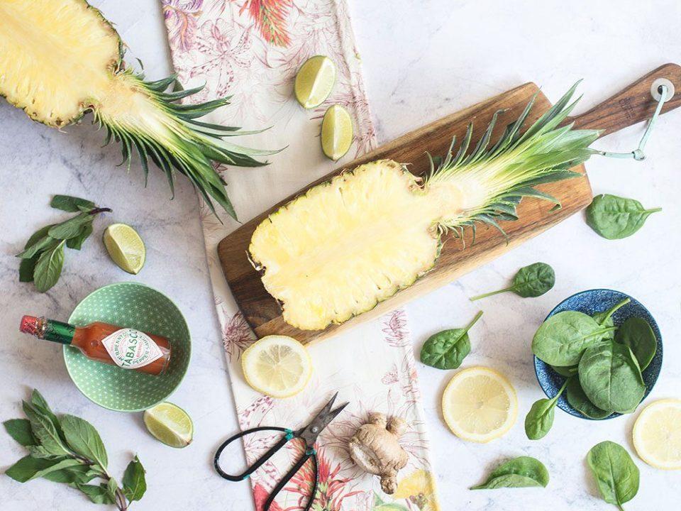 Pyszna sałatka z ananasem szpinakiem i miętą wspomagająca odchudzanie 2