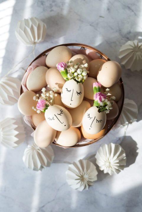 Wielkanocne jajeczka z kwiatami - idealny stroik na świąteczny stół 9