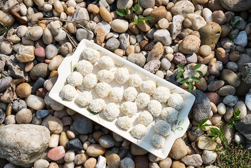 Kokosowe kulki jaglane – idealny smakołyk dla alergika