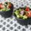 Sałatka z guacamole, pomidorkami koktajlowymi i kolendrą