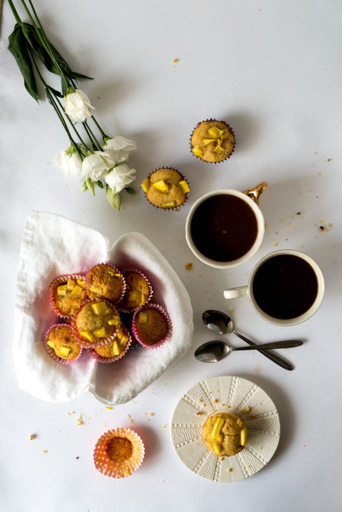 Kokosowe babeczki z mango chutney
