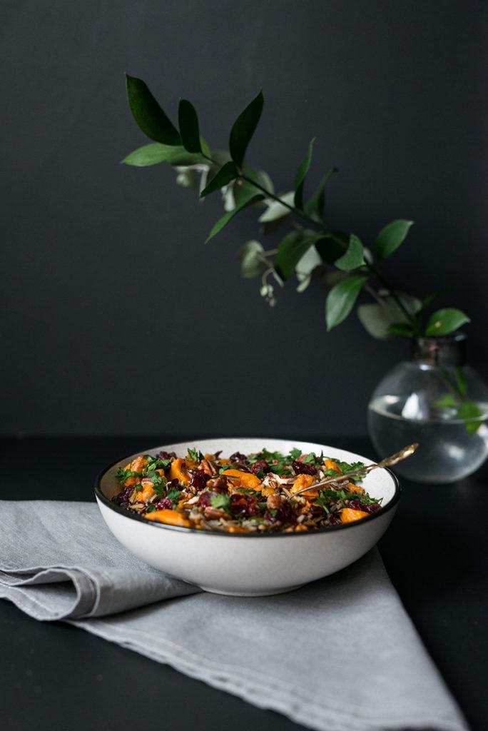 Pilaw z dzikiego ryżu z batatami i żurawiną