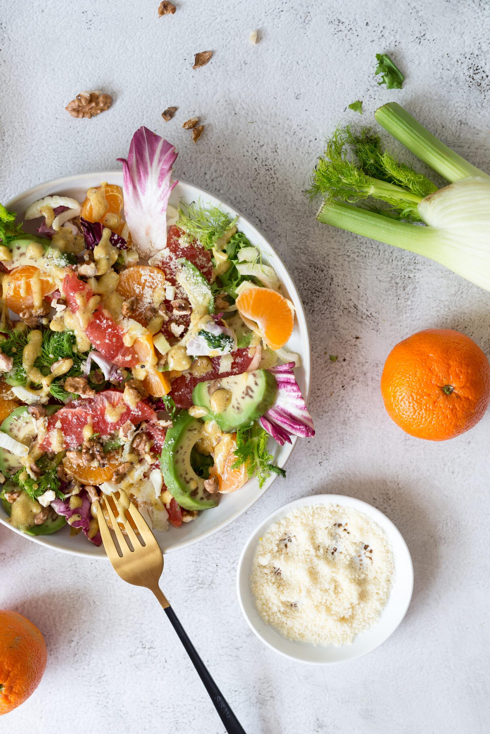 Orzeźwiająca sałatka z fenkułem włoskim, cytrusami i awokado – idealna na lekki lunch